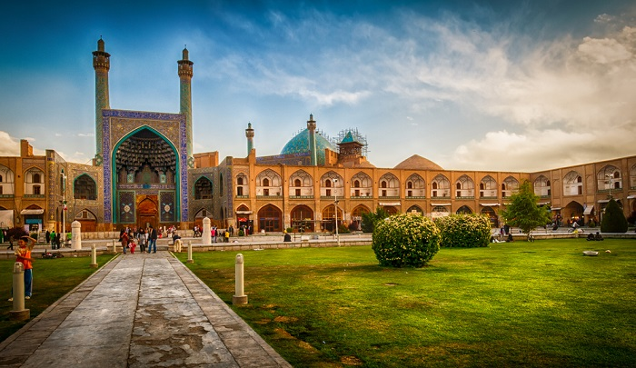 Tour guide in isfahan